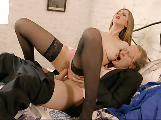 Well-endowed blonde rides cock fro a hot anal video