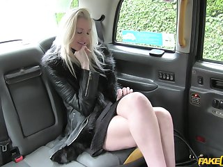 Lucky taxi driver slides his large cock in wet pussy of Lexi Lou