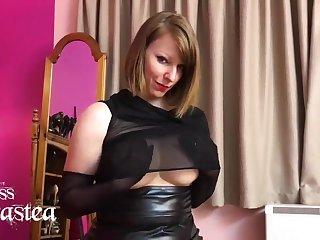 German Nylon Queen Anett Larman fingering