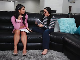 Nerd and a slut have lesbian sex - Gina Valentina & Whitney Wright