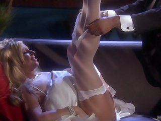 Blonde MILF infant Ahryan Ashtyn fucks in a wedding dress