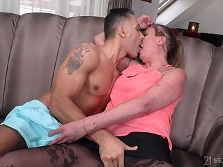 Mature spreads for the nephew's energized dick