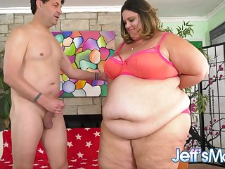 Colossal Lady Erin Green Flaunts Her Ginormous Belly as She Gets Pummeled