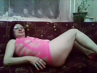 Women are as horny as men and this horny mature slut likes to flaunt her body