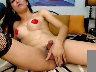 Luscious Tranny Fapping Off her big dick