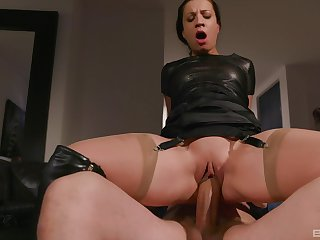 Kinky mature abstruse in keep quiet Teressa Bizarre gets a hardcore fuck