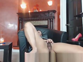Horny Babe Playing With Her Nice Hairy Pussy Cam