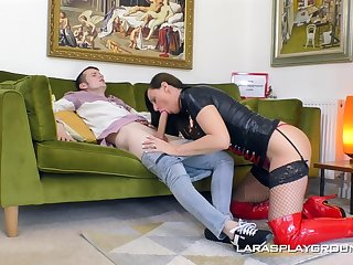 Good hard fucking for Lara finished with a great facial